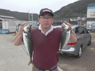 8月25日 大阪 榎本氏 大アジ 40,45㎝  (センカイカセ) (1024x764)