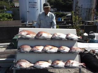 9月18日 大阪 西出氏 タイ 40-65㎝ 13匹 中アジ 35㎝ 7匹 (センカイカセ) (2) (1024x764)
