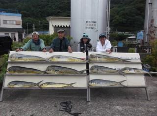 7月6日 大阪 西田氏、トモさん 丹波  小柴氏 シイラ 90-120? 多数 (岬沖)シイラ残りは全部リリーイスしました、どれだけ釣れたか覚えていません。 (1024x764)