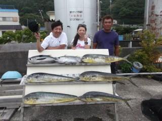 7月13日 大阪 神林さん、西田氏 キハダマグロ 75cm 2匹 シイラ 多数 (岬沖) (1024x764)