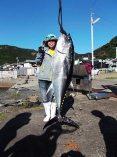 9月14日 大阪 トモさん マグロ 55,5? (須江) (5) (764x1024)