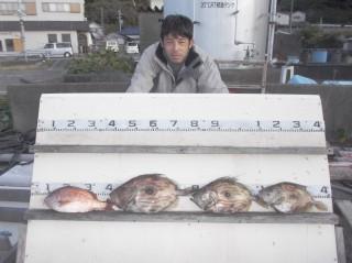 12月3日 奈良 高村氏 マトウダイ 40?50? 3匹 タイ 35? (センカイ中)