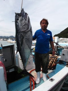 9月5日 船頭 マグロ 約50? (須江) (1)