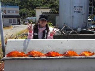 5月2日 大阪 神林さん アタガシ 35‐40? 5匹 (岬灯台下流し釣り) (1)